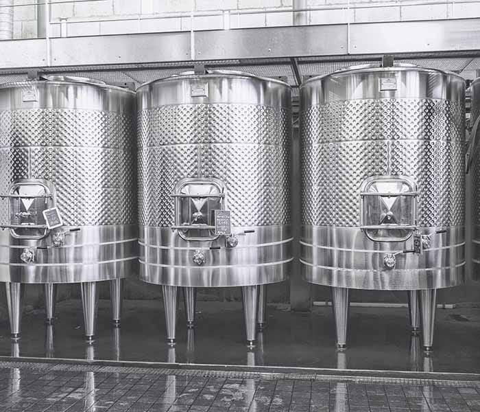 Pilow Plate wine tanks